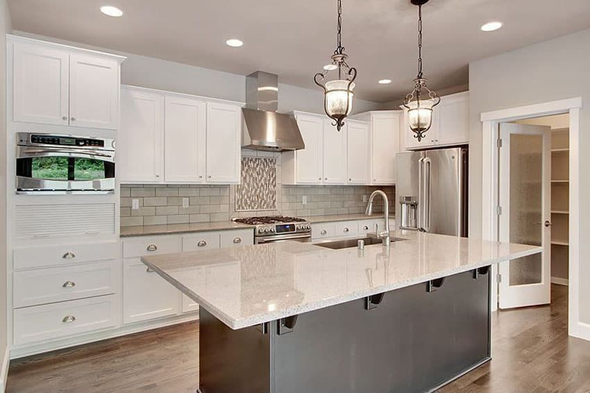 57 Beautiful Small Kitchen Ideas (Pictures) - Designing Idea on Modern Kitchen Counter  id=69611