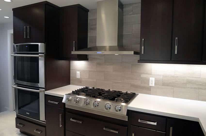 27 Small Kitchens with Dark Cabinets (Design Ideas ... on Modern Backsplash For Dark Countertops  id=98415