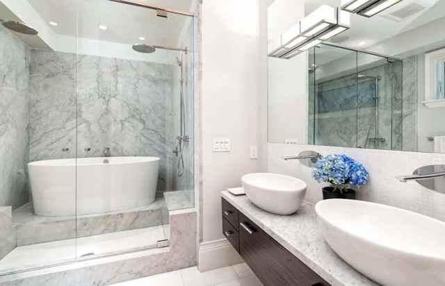 Japon küvetli ve duşlu banyo