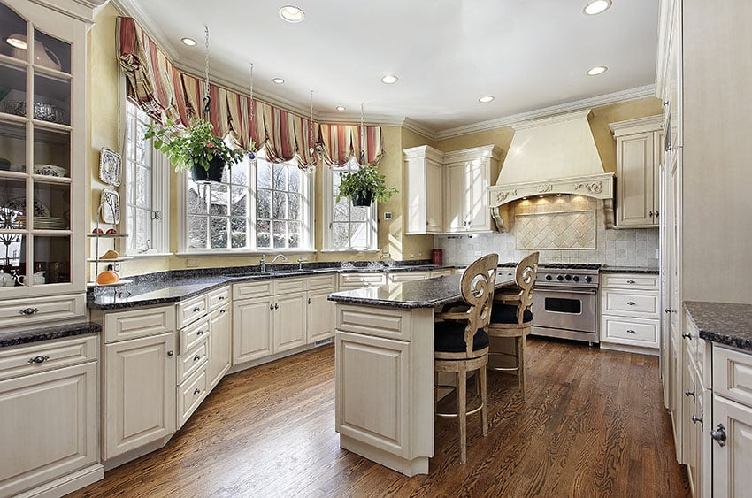 Country Kitchen Cabinets Ideas Amp Style Guide Designing