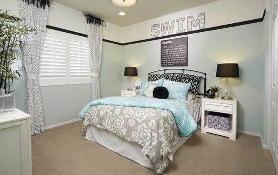 Cheap Ways to Decorate a Teenage Girl's Bedroom ... on Cheap Bedroom Ideas For Small Rooms  id=41815