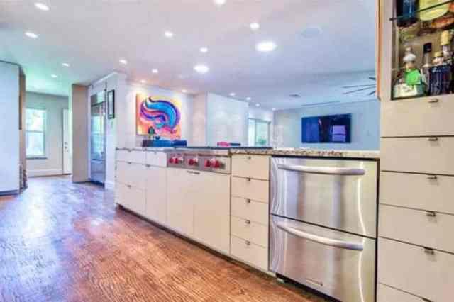 Çift buzdolabı çekmeceli mutfak adası