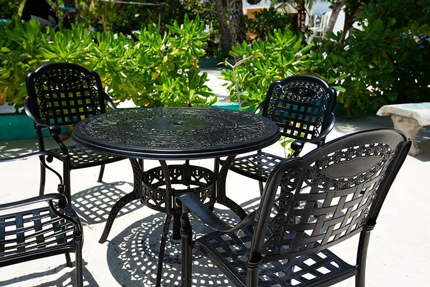 aluminum vs steel patio furniture