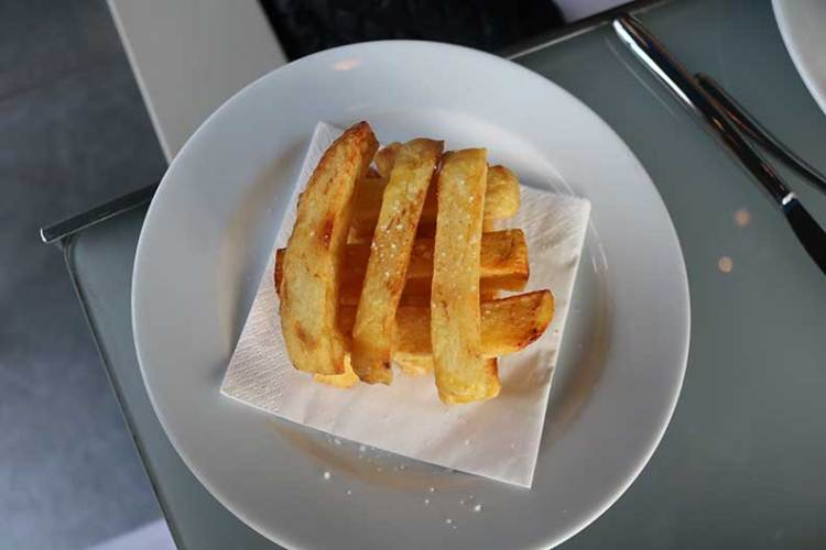 French fries at Les Georges Paris