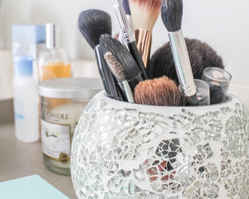 makeup brush storage