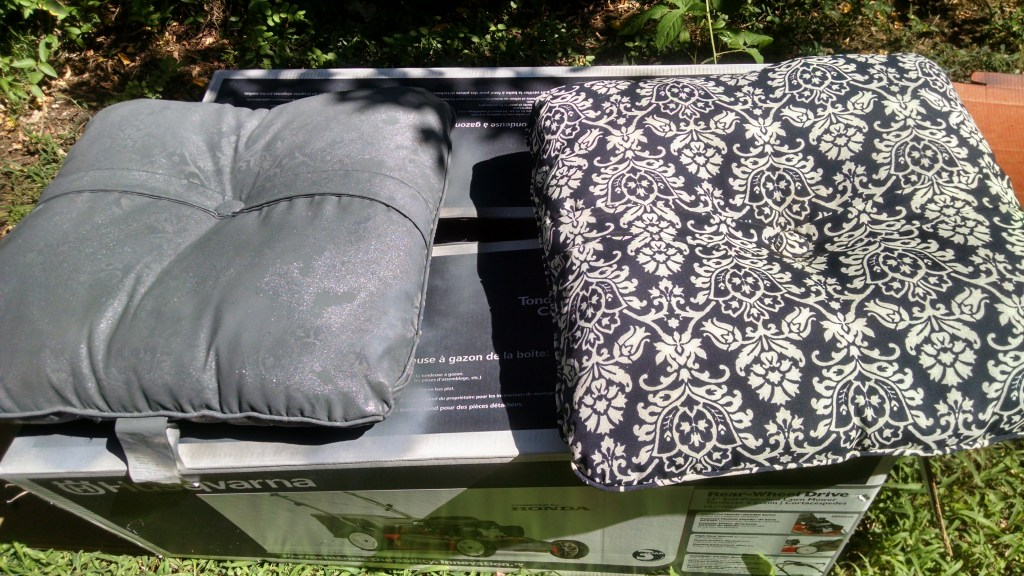 spray painting outdoor furniture cushions