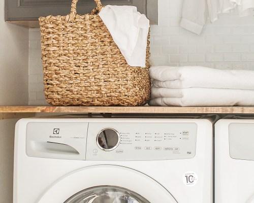 modern farmhouse laundry room diy