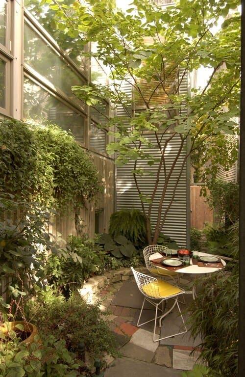 40 Amazing Design Ideas For Small Backyards on Small Backyard Decor id=45454