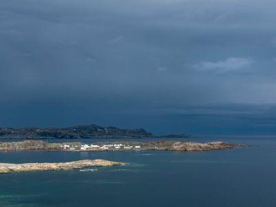 2013_17-Fogo_Island_Inn-Press-Photo_Credit_Alex_Fradkin