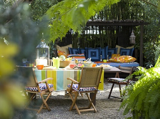 colorful-outdoor-space3