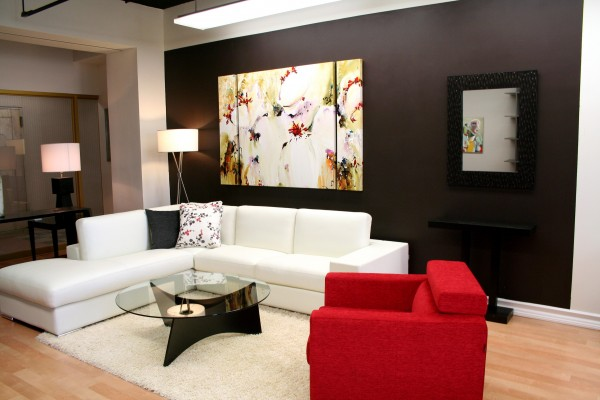 modern-living-room-with-grey-accent-wall