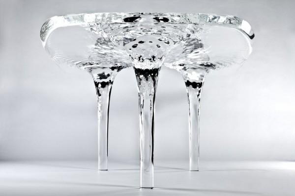 Transparent-dynamic-auqa-table