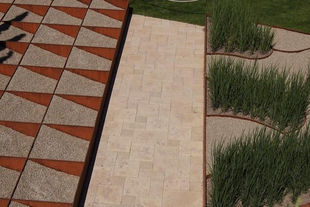 Artistic-garden-design