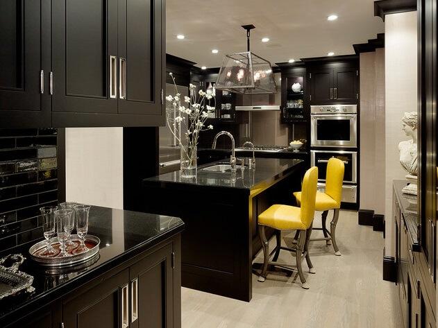 Black-kitchen-cabinets