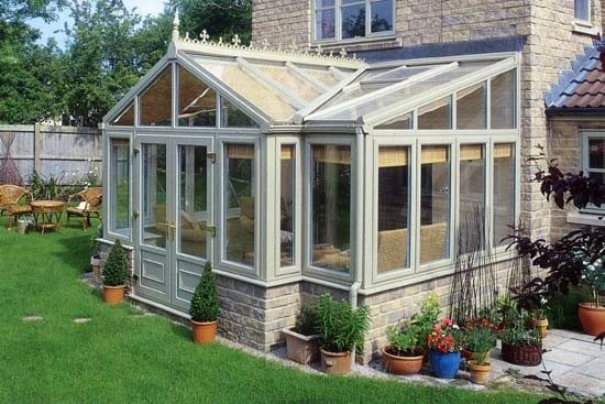 What Are the Benefits of Having a Conservatory?