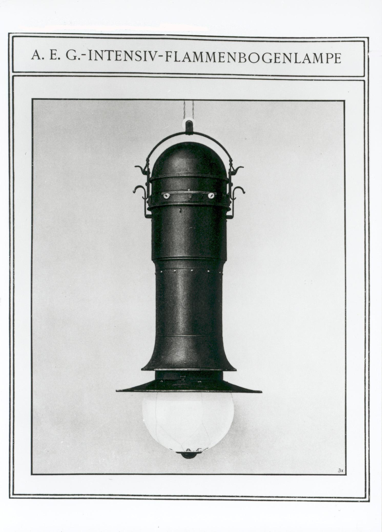 Design Luminy 06_sparbogenlampe_1907_0 Peter Behrens  (1868 - 1940) Histoire du design Références Textes  Turbinenhalle Peter Behrens AEG   Design Marseille Enseignement Luminy Master Licence DNAP+Design DNA+Design DNSEP+Design Beaux-arts