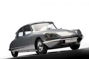Design Luminy DS-21-Citroen La nouvelle Citroën - Roland Barthes, 1957 Textes  Roland Barthes Mythologies DS   Design Marseille Enseignement Luminy Master Licence DNAP+Design DNA+Design DNSEP+Design Beaux-arts