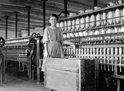 Design Luminy Lewis-Hine-Adrienne-Pagnette-an-adolescent-French-illiterate-speaks-almost-no-English.-Is-probably-14-or-15.-Doffs-on-top-floor-spinning-room-in-Glenallen-Mill-Winchendon-Massachusetts-1911-500x368 WilliamMorris - La vie ou la mort de l'art Textes  William Morris   Design Marseille Enseignement Luminy Master Licence DNAP+Design DNA+Design DNSEP+Design Beaux-arts