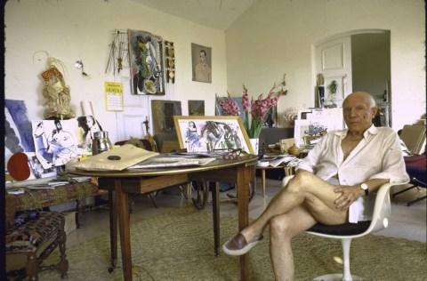 Design Luminy fauteuil-tulipe-eero-saarinen-pablo-picasso_21460991319_o Chaise Tulipe 1956 – Eero Saarinen (1910-1961) Histoire du design Icônes Références  Tulipe Knoll Eero Saarinen