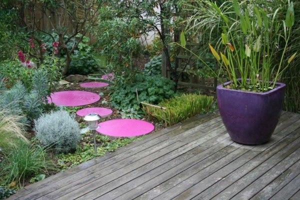 Vintage Bathtub Garden
