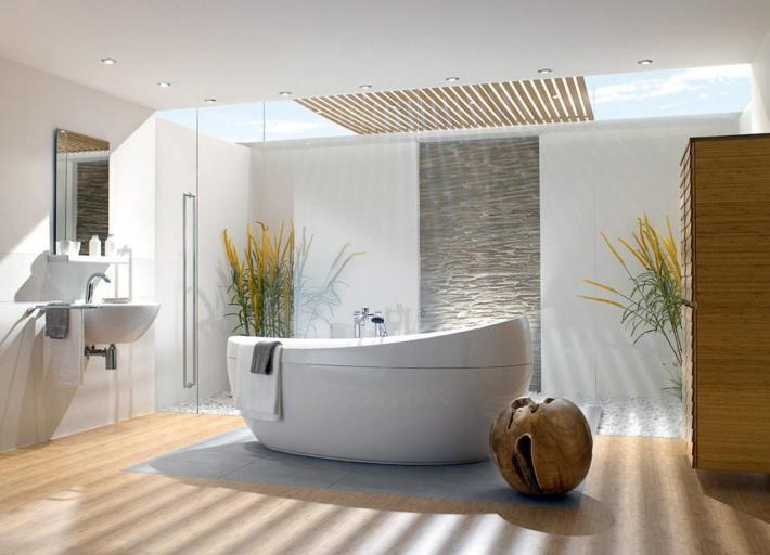 salle de bains petite baignoire idée parquet bois