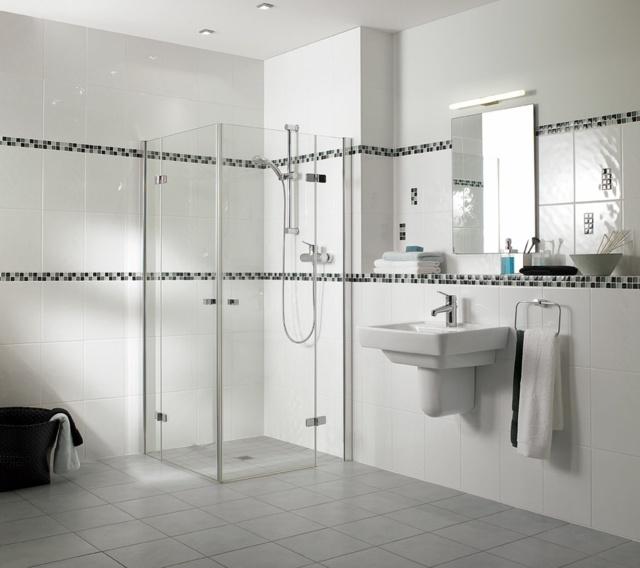 salle de bain blanche déco lavabo cabine de couche vitrée