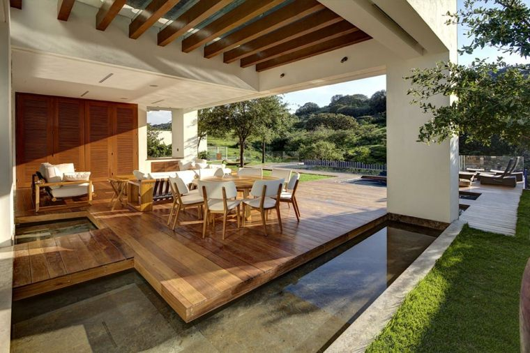 une terrasse exterieure moderne