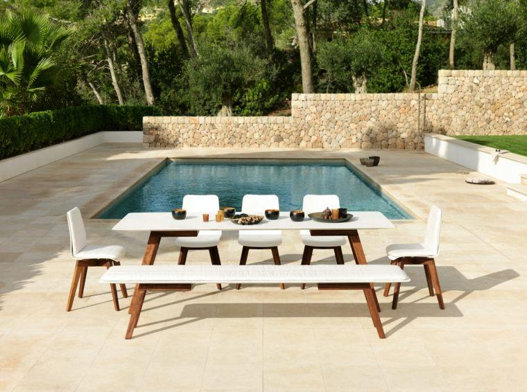 table de jardin bois resine tressee