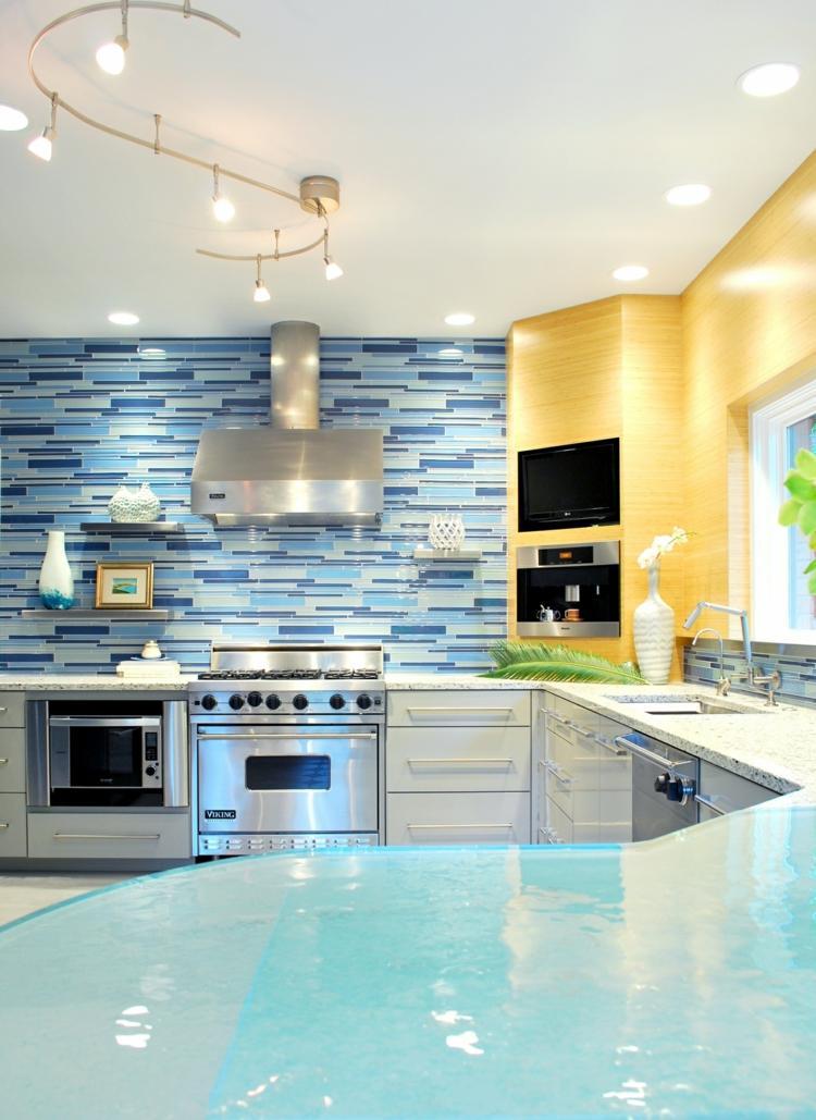 Cuisine bleue: décoration moderne avec des touches en bleu on Modern:gijub4Bif1S= Kitchen Remodel  id=42755