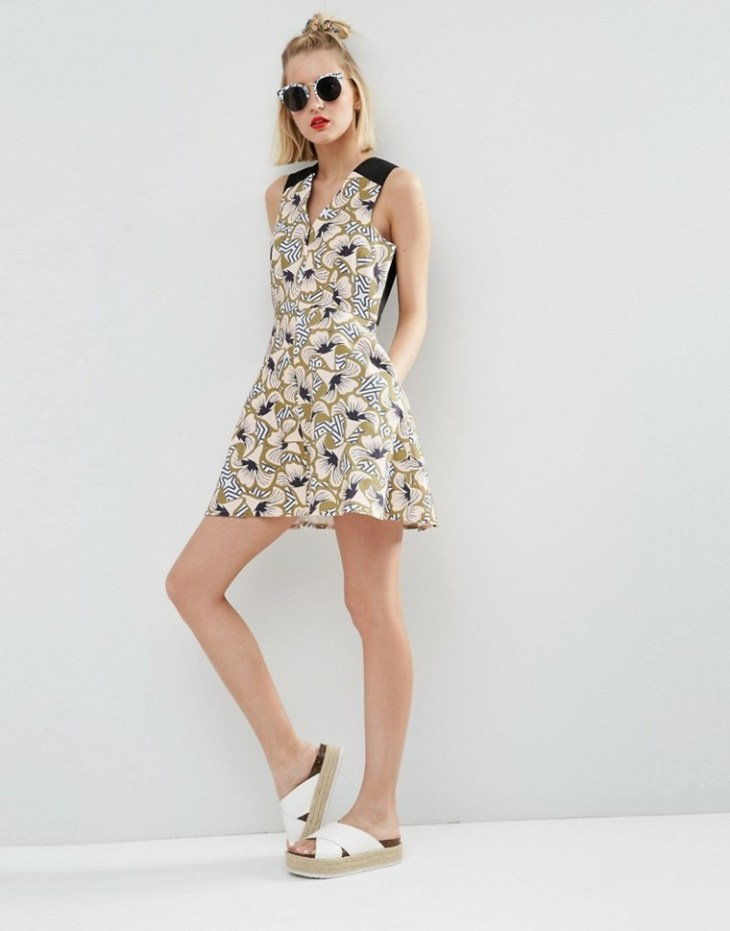 femme tendance mode 2016 robe imprimé floral patineuse lunettes soleil