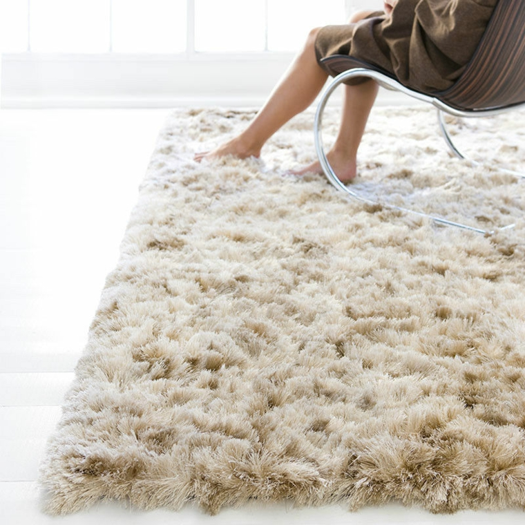 tapis shaggy design a poil long
