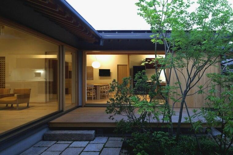la maison traditionnelle japonaise nous