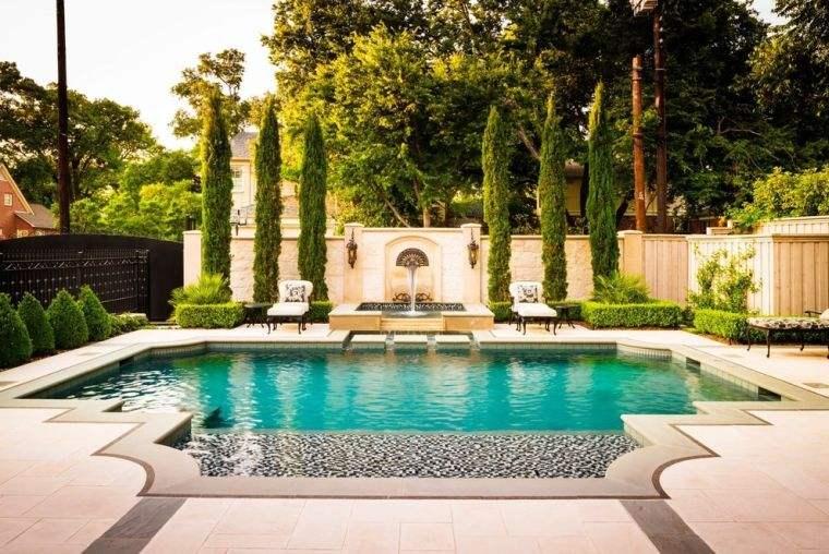 jardin de maison moderne avec piscine