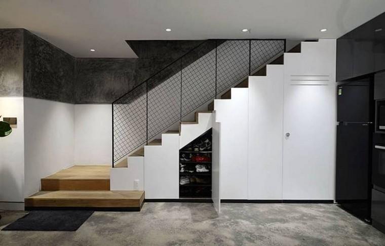 rangement escalier et petit espace 10