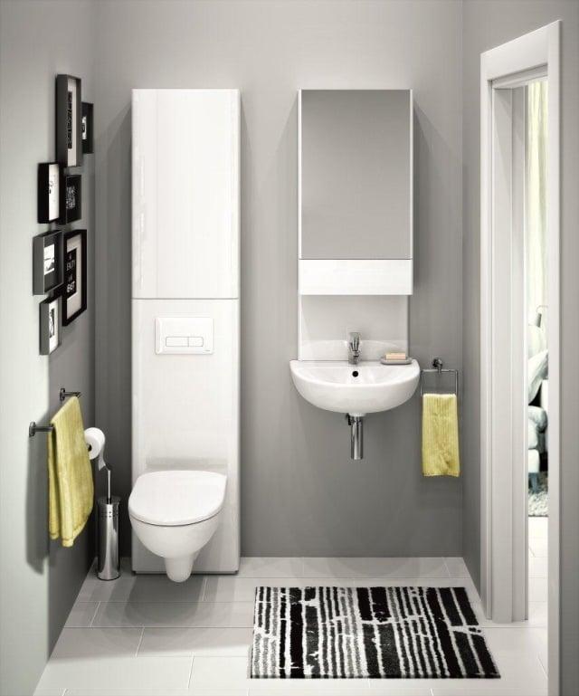 peinture-salle-bains-petite-tapis-noir-blanc-miroir-murs-gris-clair peinture salle de bains
