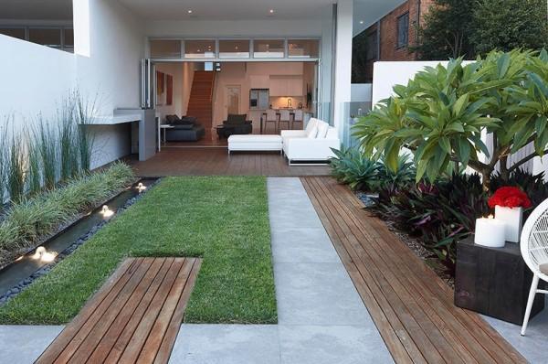 Modern Front Yard Decor