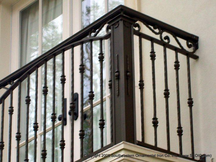 Download Modern Balcony Railing Ideas Background