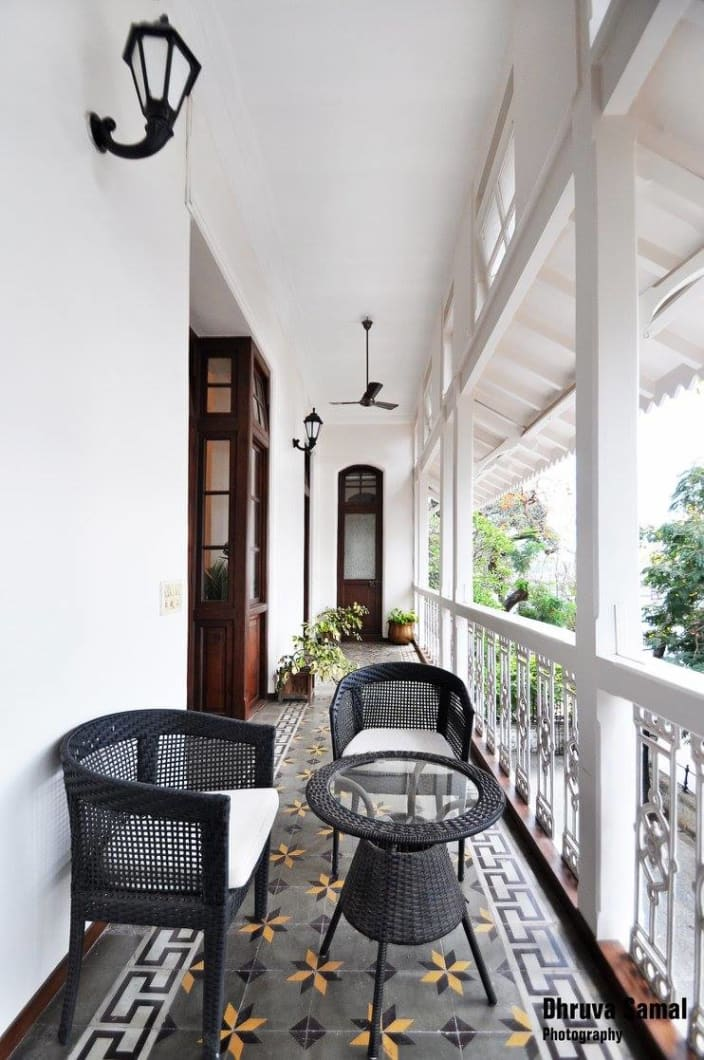 Download Black & White Balcony Ideas Images