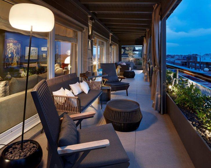 28+ Large Balcony Furniture Ideas Background