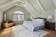 Light Hardwood Floor Bedroom Designs