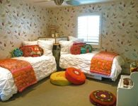Bedroom Ideas For Small Rooms With Two Beds