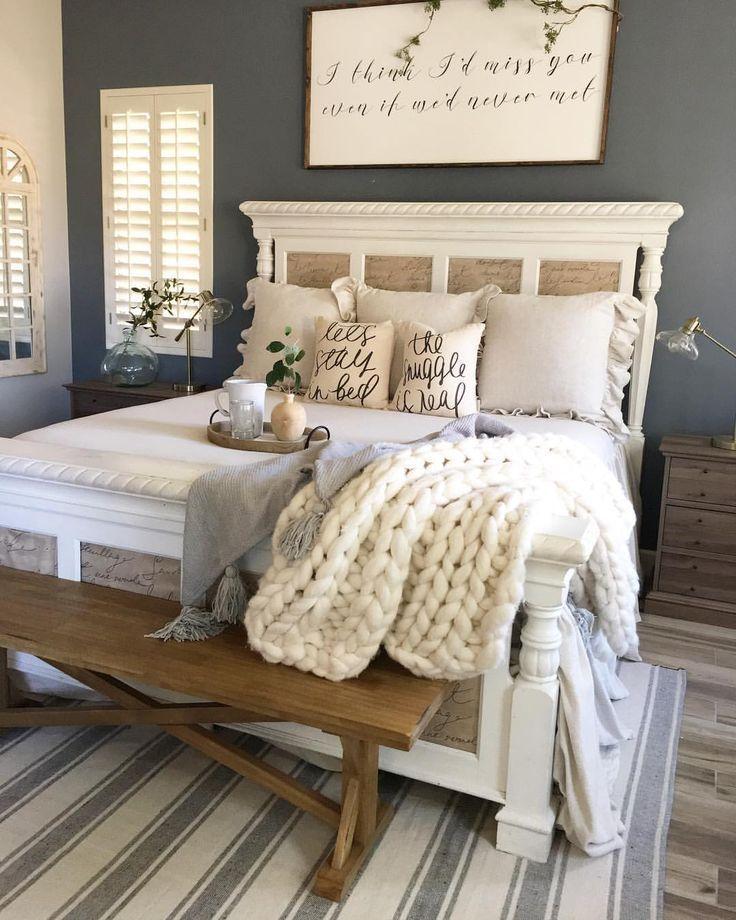 43 Gorgeous Farmhouse Bedroom Decorating Ideas Remodel Bedroom Farmhouse Bedroom Decor Home Decor Bedroom
