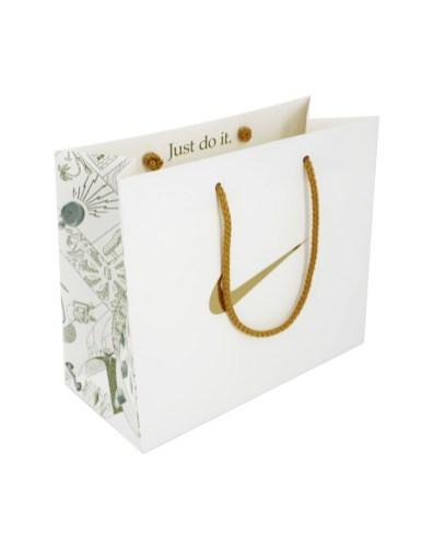 Rope handle paper bags