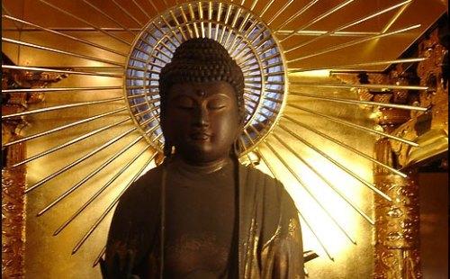 仏像の照明デザイン事例