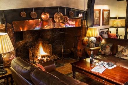 fireplace-bar