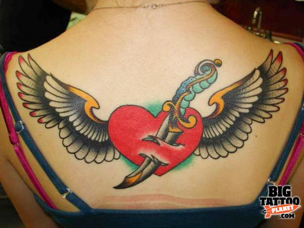 Chris Smith at Deluxe Tattoo USA 4. Login or register to post comments