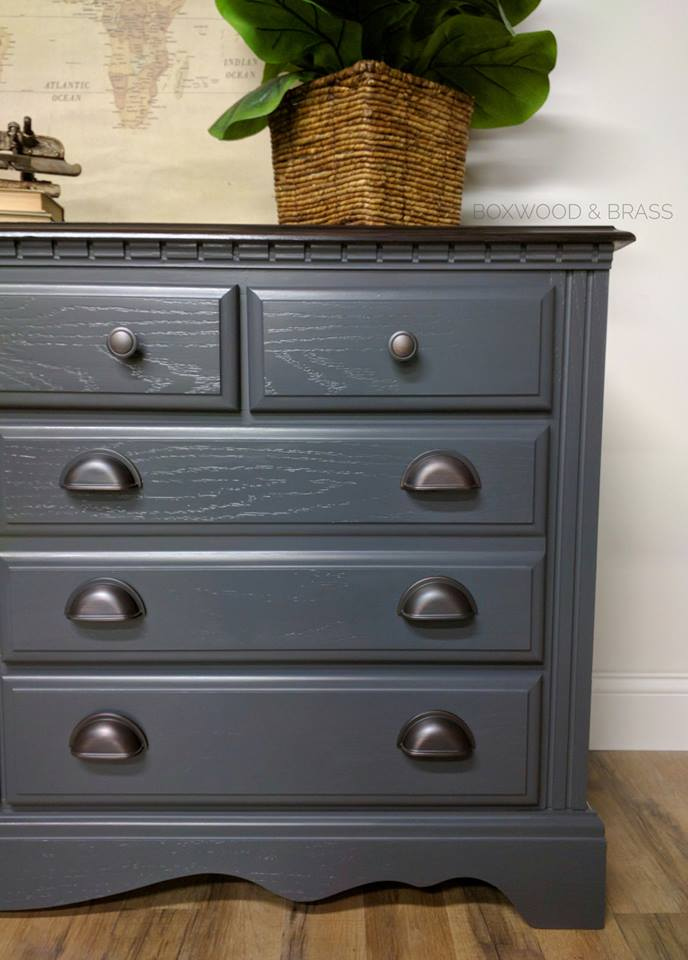 Sleek Beauty In Queenstown Gray Milk Paint General