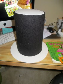 Set up of the top and rim of had with fleece around. Felt would work nicely too.