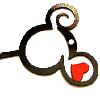 metal mickey curly head with heart hook