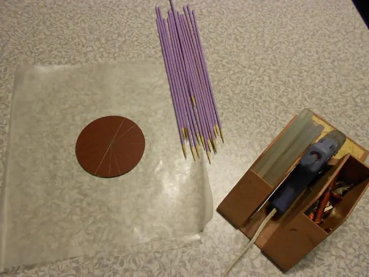 How to Make a Mirrored Sunburst Wall Art Piece DSCN0358